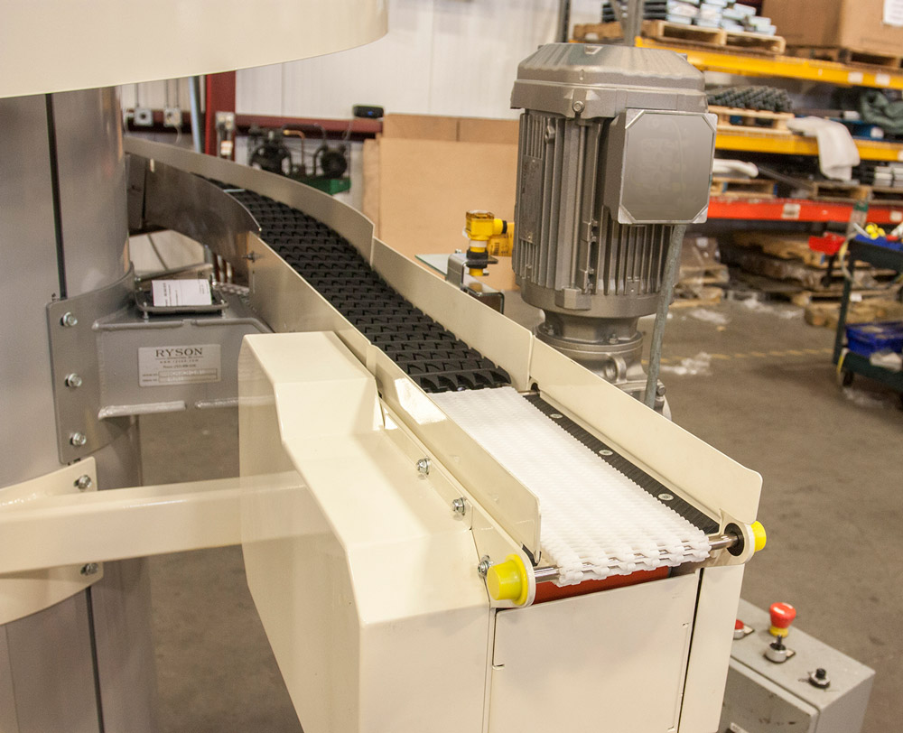 Micro Pitch Transfer Conveyor is an Ideal Accessory to the Narrow Trak